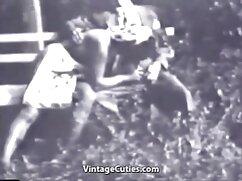 Un hombre se folla a follando por dinero mexicanas una jovencita asiática en un coño peludo y la pone Cooney