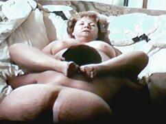 Una puta madura a lo perrito satisface a un negro mexicanas cogiendo y mamando con un amigo