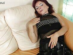 Lesbianas agarran un consolador para el orgasmo cojiendo con mi esposa mexicana