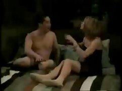 Actor porno se folla a una elegante morena en xxx mexicanas cojiendo medias y se corre en su culo