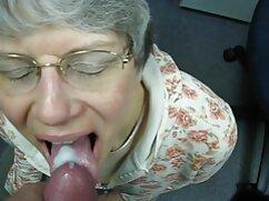 Novia rizada negro cojiendo mexicana metió la lengua en el culo de un chico