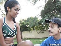 Keira Flov encanta a un chico y cojiendo con una mexicana se corre dos veces