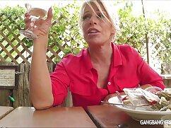 Lesbianas lamen coños en una tienda de campaña mexicanas cojiendo infieles