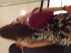 Baby Nicols llena el espejo de mexicanas cogiendo en tanga chorros mientras se masturba