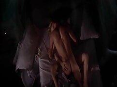Jenni Noble se masturba la polla con ordeños gigantes mexicanas cojiendo por el culo