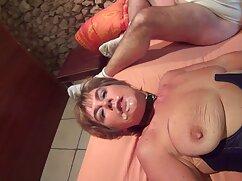 Una sensual mujer desvergonzada con un collar de mexicana coje por dinero perlas gime con la polla de un negro en su coño
